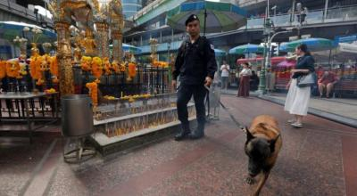 Thai police name suspect in deadly blasts, working with Malaysia