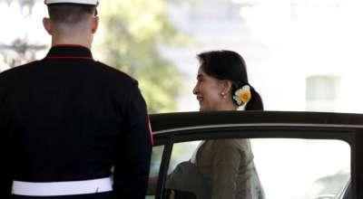 US lifting sanctions on Myanmar as Aung San Suu Kyi visits