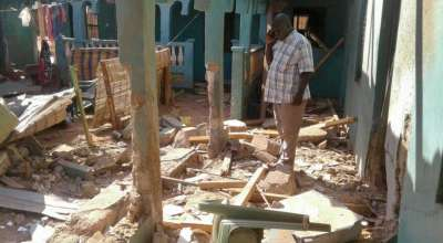 Hotel in Kenya bombed by al Shabaab, 12 people killed