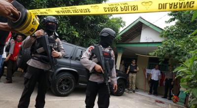 Indonesian police shoot dead ISIS-inspired machete and pipe bomb attacker