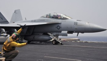 Ask a fighter pilot: Hornet vs Super Hornet?