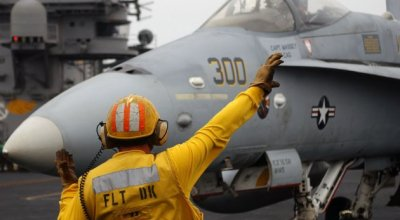 Ask A Fighter Pilot: Hand Signals On The Flight Deck!