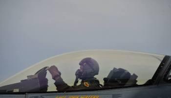F-16 Viper Demonstration Team Preps for 2017 show season