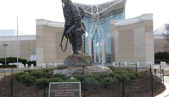 Airborne & Special Operations Museum To Honor Medal Of Honor Recipients