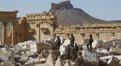 Syrian government forces enter Palmyra, drive back Islamic State: monitors