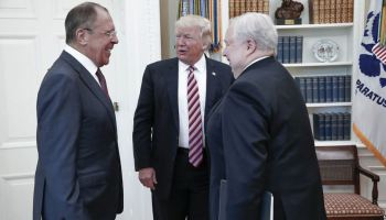 Former CIA officer's initial assessment of Trump giving sensitive intel to the Russians