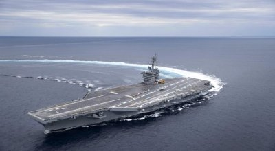 Watch: USS Abraham Lincoln (CVN 72) shows off high speed turn capabilities
