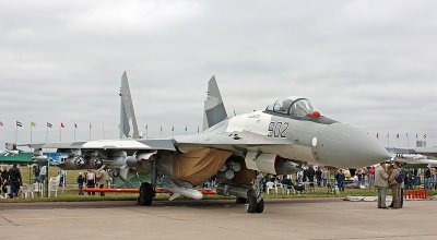 Watch: Su-35 Shows Off at The Paris Air Show!