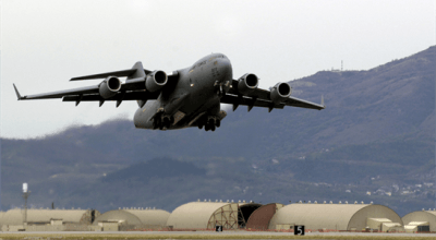Watch: Hop on board for some C-17 flight training. Fascinating video!