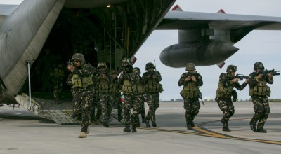 Pentagon considers airstrikes in the Philippines, but it seems unlikely