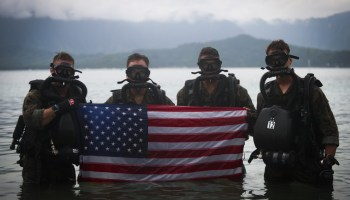 Loadout Room photo of the day | 4th Force Recon Marines conduct dive operations in Kaneohe Bay, Hawaii