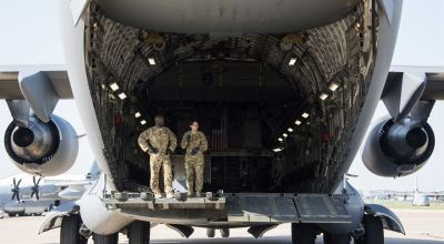Picture of the Day: Air Force Personnel in Back of C-17 Globemaster III