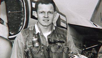 Watch: Naval aviator and former POW Charlie Plumb teaches us about 'Packing Parachutes'