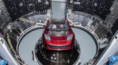 SpaceX Falcon Heavy set to launch next week, with a Tesla roadster as the payload