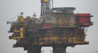 Oil Rig/ Kevin Harris on Unsplash
