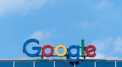 Google sign/ Pawel Czerwinski on Unsplash