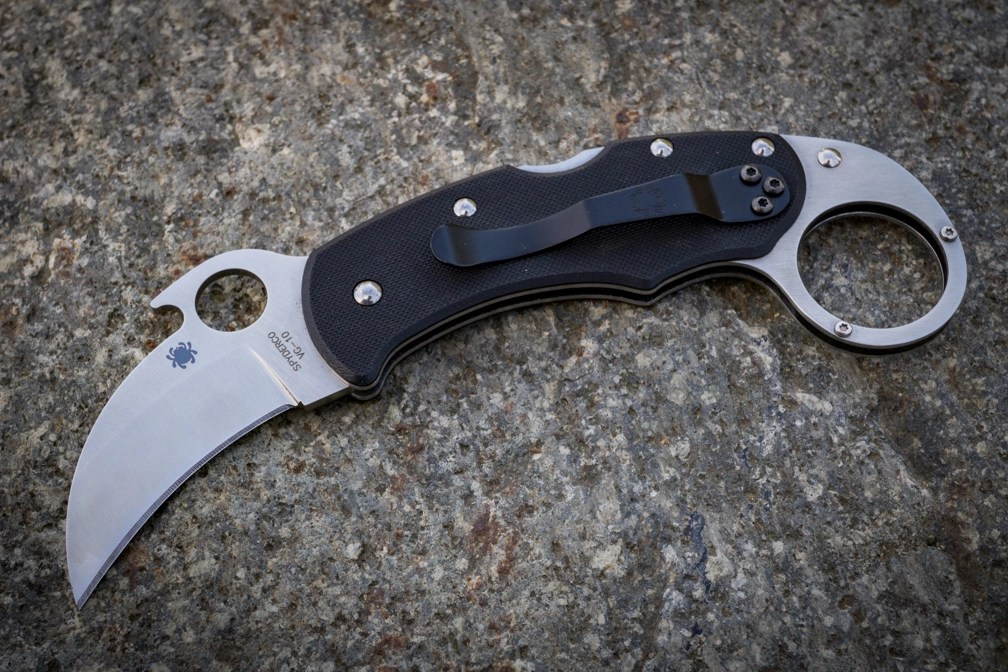The Spyderco Karahawk