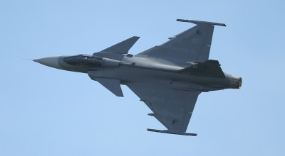 SCHOENEFELD, GERMANY:  A Saab JAS-39 Gripen jet fighter of the Czech Air Force flies at the ILA 2014 Berlin Air Show on May 21, 2014 in Schoenefeld, Germany. (Photo by Sean Gallup/Getty Images)