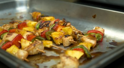A chicken kabob sits on a tray at the Marine Corps Air Station (MCAS) Cherry Point chow hall for a chef of the quarter competition at MCAS Cherry Point, North Carolina, June 7, 2019. The competition is held to shine a light on some of Cherry Point's most talented food specialists. The winner of each quarter competes at the end of the year for the title of chef of the year. (U.S. Marine Corps photo by Cpl. Micha R. Pierce).