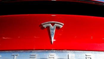 China Bans Tesla Cars Among Military Members, Hit the Huawei