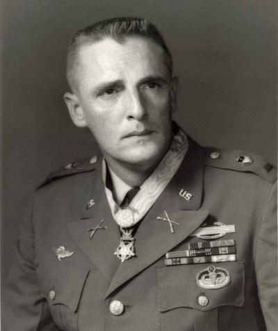 Charles Williams Medal of Honor. Dong Xoai