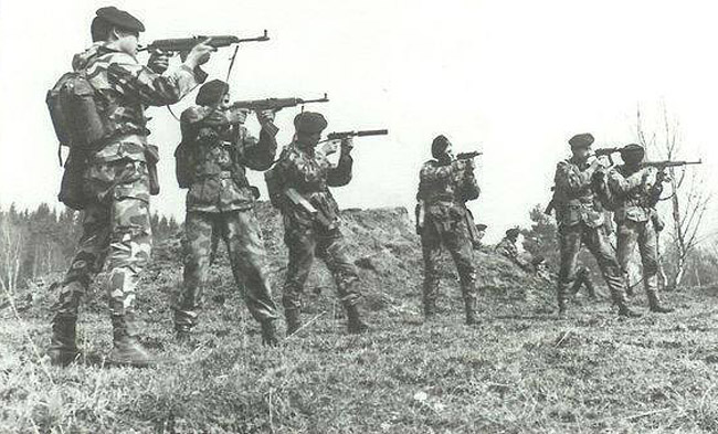 Czechoslovakian soldiers Skorpion
