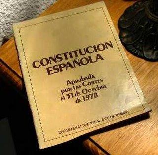 https://i2.wp.com/cms7.blogia.com/blogs/b/bu/bue/buenosdiascasares/upload/20081128150857-dia-de-la-constitucion.jpg