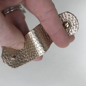 Cable tidies - gold