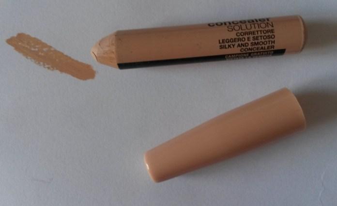 ClioMakeUp-recensione-Debby-Lasting-&-Perfect-Fluid-Foundation-concealer-macro