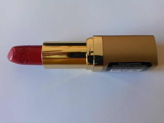 ClioMakeUp-recensione-rossetti-shaka-red-show-03-macro
