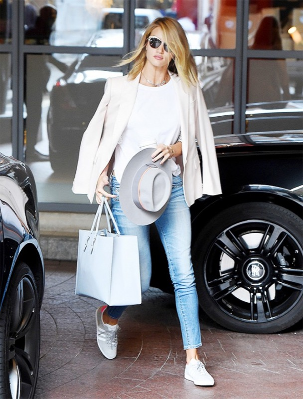 ClioMakeUp-sneakers-bianche-outfit-abbinamenti-star-6