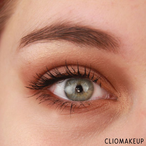 cliomakeup-recensione-the-glow-must-go-on-palette-essence-11