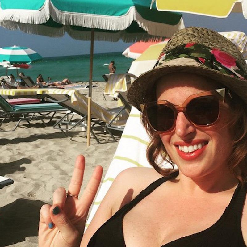 cliomakeup-trousse-vacanze-1-rossetto-spiaggia