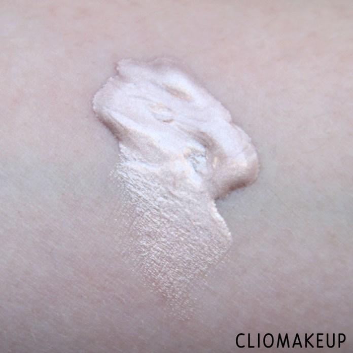 cliomakeup-recensione-illuminating-eyeshadow-base-essence-5