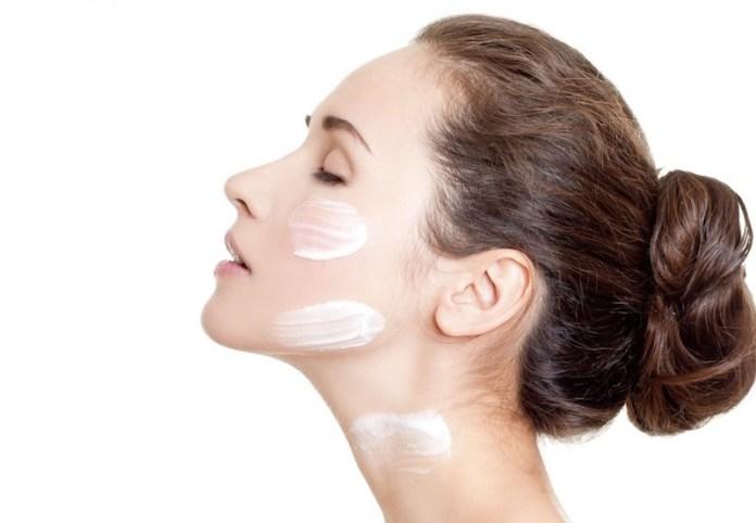 ClioMakeUp-cicatrici-da-acne-come-coprirle-trucchetti-segreti-step-14