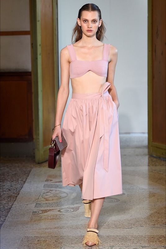 ClioMakeUp-millennial-pink-rosa-primavera-2017-abbinamenti-outfit-sfilate-look-accessori-24
