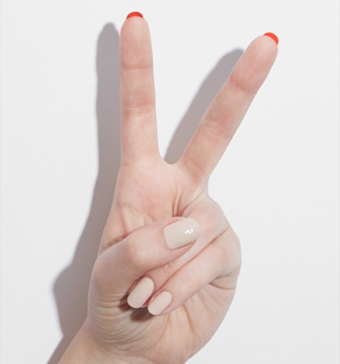 ClioMakeUp-flip-manicure-nail-art-unghie-lunghe-louboutin-smalto-16