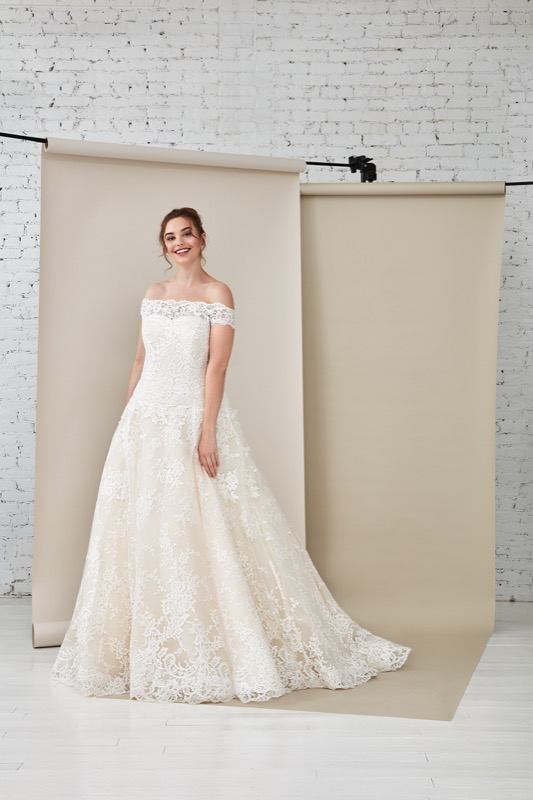 ClioMakeUp-happy-bride-atelier-eme-prodotti-make-up-sposa-matrimonio-make-up-trucco-occhi-labbra-rossetto-base-6