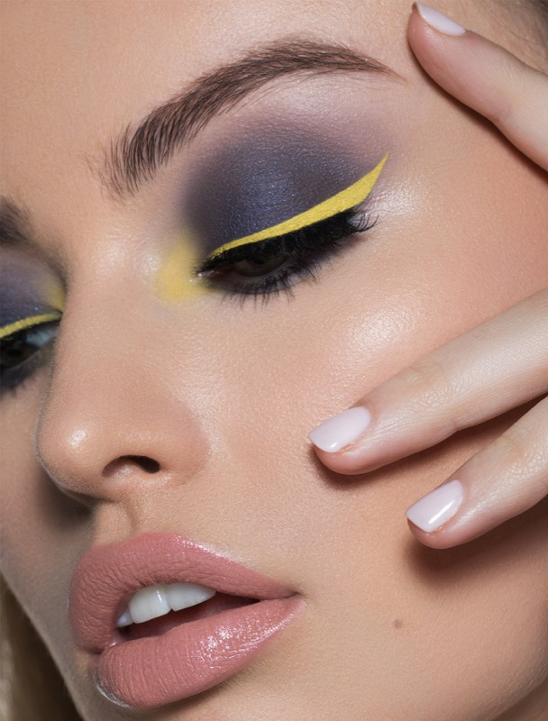 cliomakeup-kylie-kim-collezione-beauty-6-eye-liner-giallo