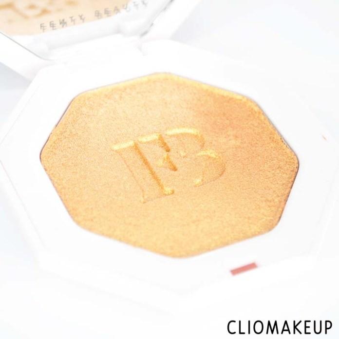 cliomakeup-recensione-illuminante-fenty-beauty-killawatt-freestyle-highlighter-5
