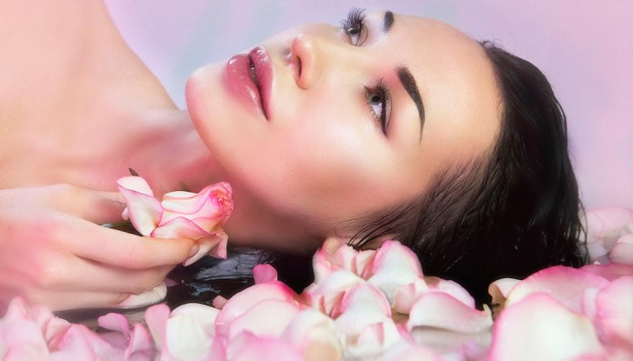 cliomakeup-rosa-benefici-proprietà-copertina
