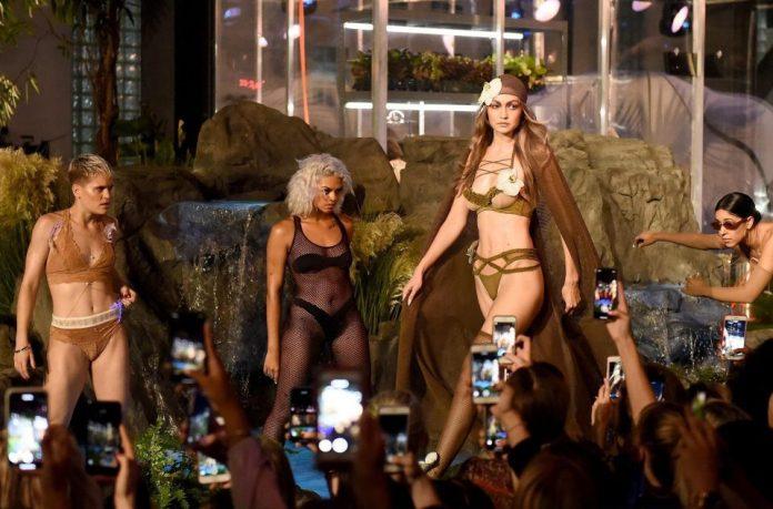 cliomakeup-sfilata-savage-x-fenty-10-fashion-show