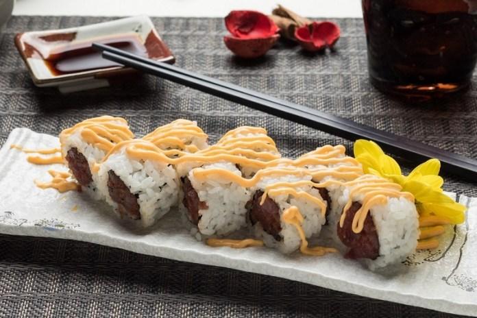 cliomakeup-sushi-ingrassare-uramaki-maionese-7