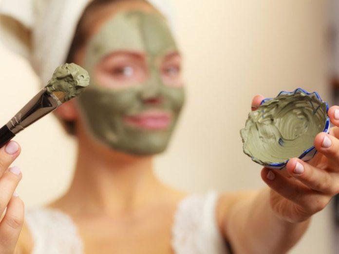 cliomakeup-skincare-pelle-acneica-17-maschera-argilla
