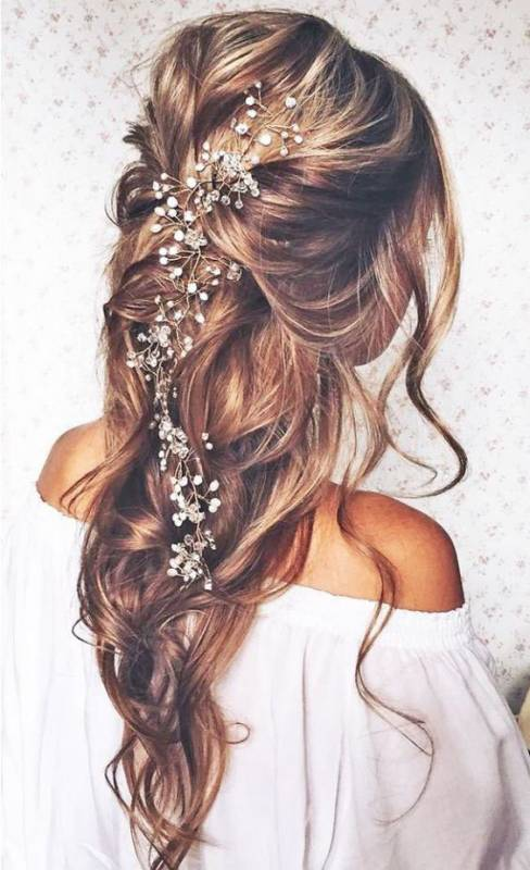 ClioMakeUp-accessori-capelli-capodanno-filo-perla-intreccio-capelli.jpg