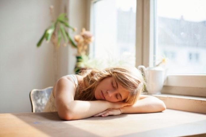 cliomakeup-stanchezza-primaverile-19-sonno