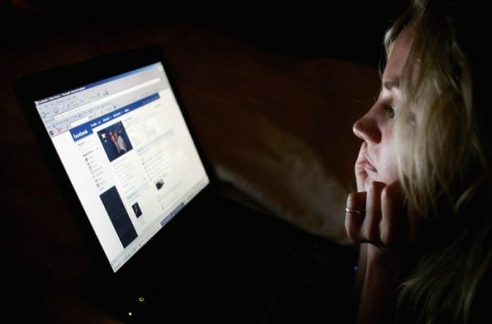 cliomakeup-galateo-social-tra-ex-18-facebook