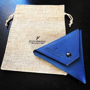 Pochette bleu 5ème Génération, fabriquée en France
