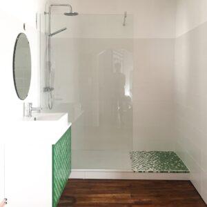 Atelier Libre Nature, mosaïque pour salle de bain fabriquée en France à Galan en Occitanie