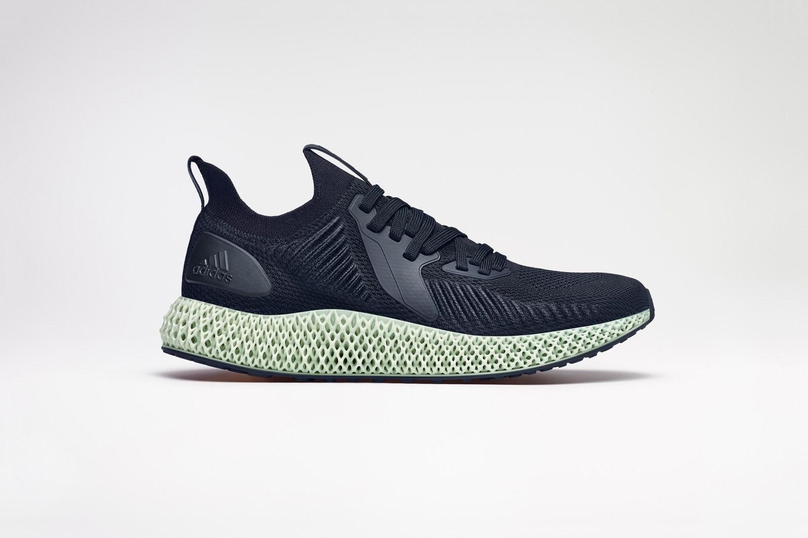 sacai x Nike Blazer Mid 及 fragment design x U.E 空冷服等本週不容錯過的 7 項新品發售
